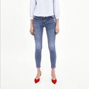 Zara Low Rise skinny Premium Quality Jeans Size 0